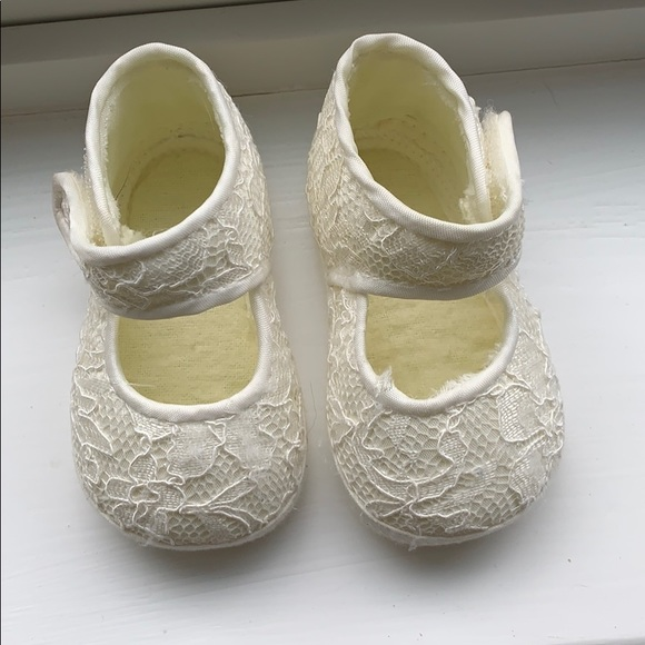 Designer's Touch Other - Adorable Baby Booties!